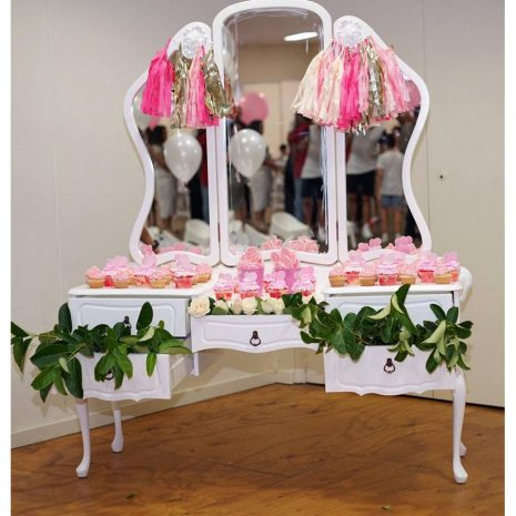 The-3-Mirror-Unique-Dressing-Table.jpg